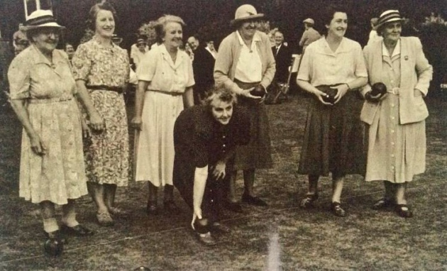 Keen bowler Nanny Thurston, far left, in North Lodge Park.