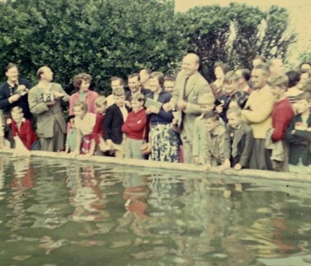 David Nixon conjured up some time to enjoy the new model yacht pond during his 1957 appearance at Cromer Carnival.